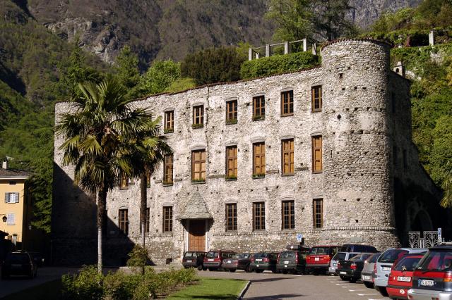 Valchiavenna palazzo balbiani - Finestre castelli medievali ...